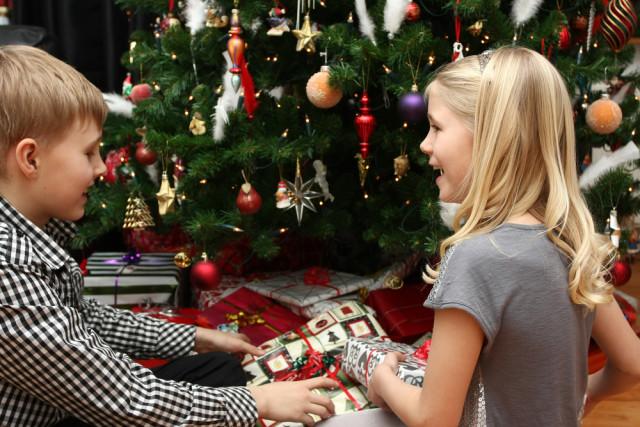barn og juletre