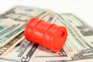 OPEC kutter - oljeprisen og oljerelaterte aksjer stiger